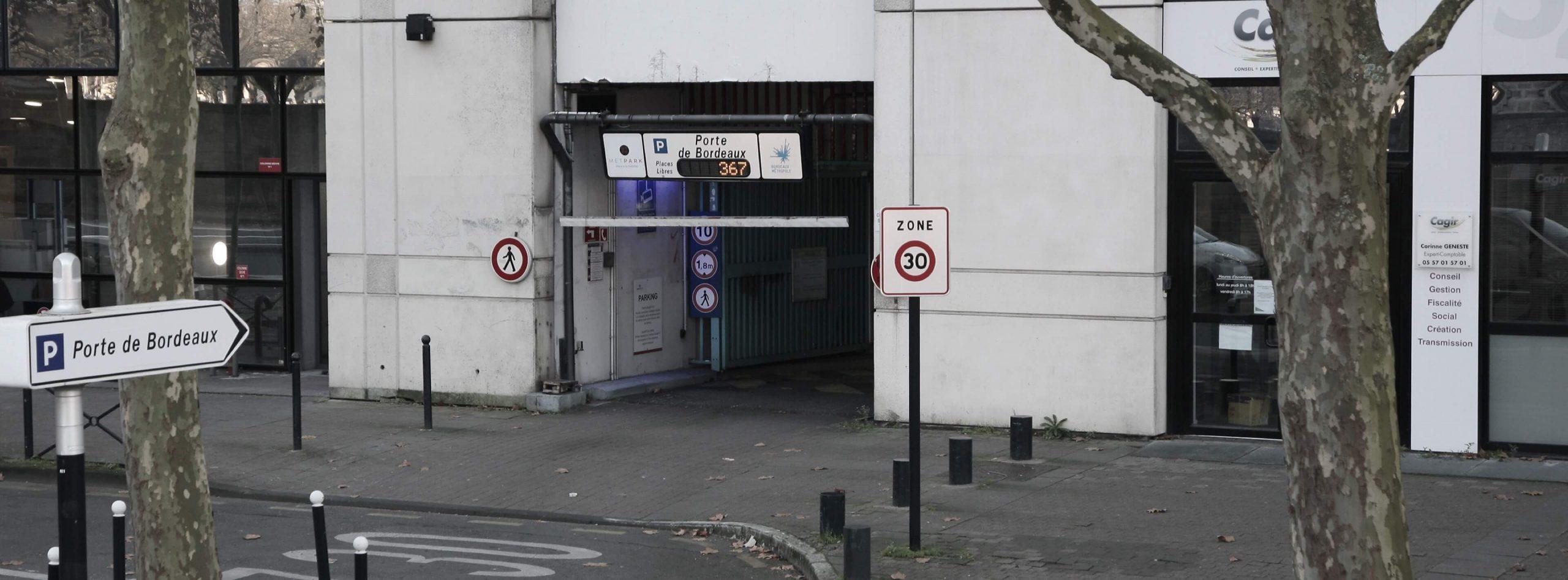 Parking METPARK Porte de Bordeaux, garez-vous au parking barrièred'Ornano sur les boulevards proche du stade Chaban Delmas de Bordeaux.