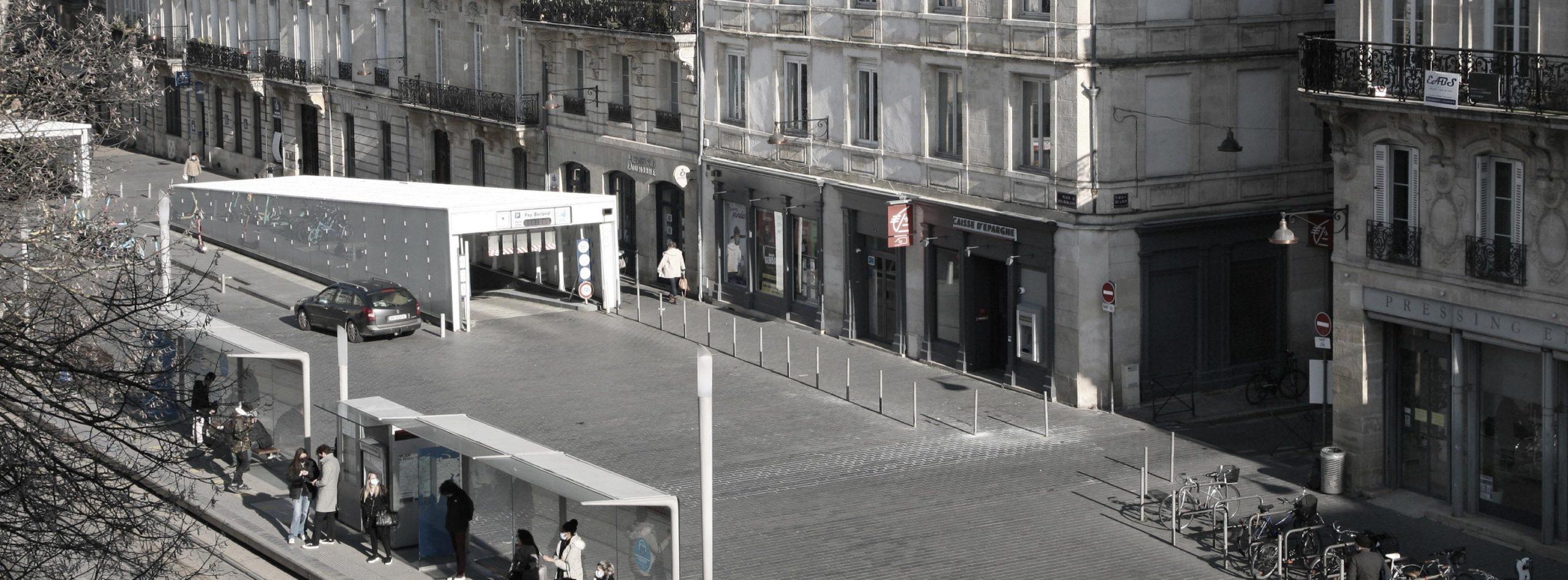 Parking Pey-Berland au coeur de Bordeaux, parking sur la place Pey-Berland, à coté de l'hôtel de ville de Bordeaux.