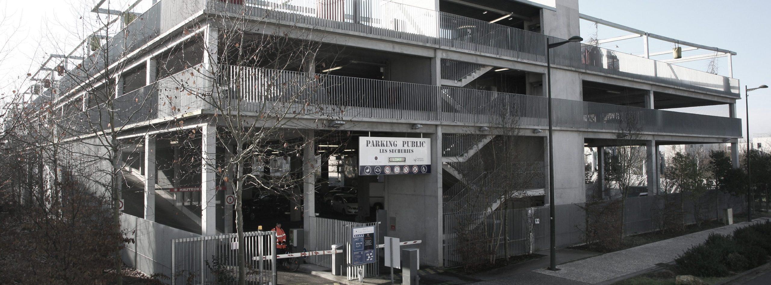 Places de parking à Bègles proche de Bordeaux. Parking Les Sécheries METPARK de Bègles proche de la Mairie de Bègles et à proximité de la rocade.